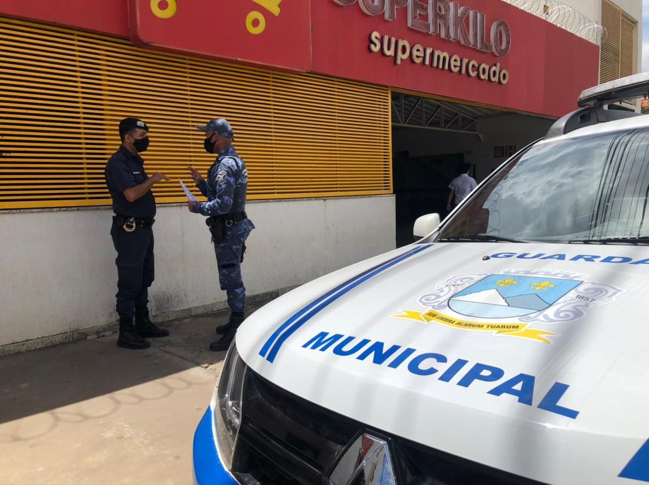 Supermercado é multado em mais de R$ 9 mil por vender bebida alcoólica, em Montes Claros
