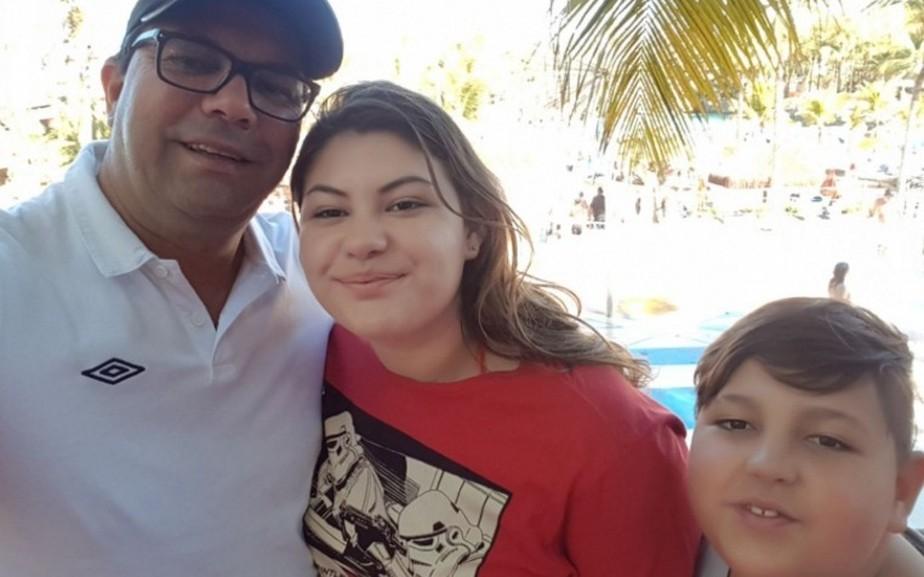 Filhos de técnico do Penapolense morrem em acidente de carro no interior de SP