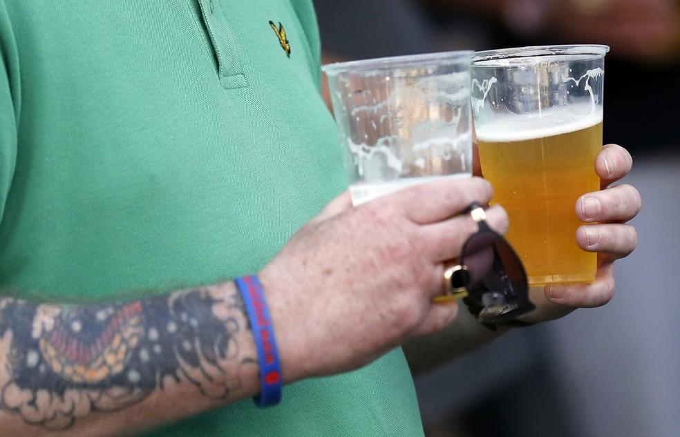 Venda de bebida será liberada nos estádios de São Paulo — Foto: Reuters