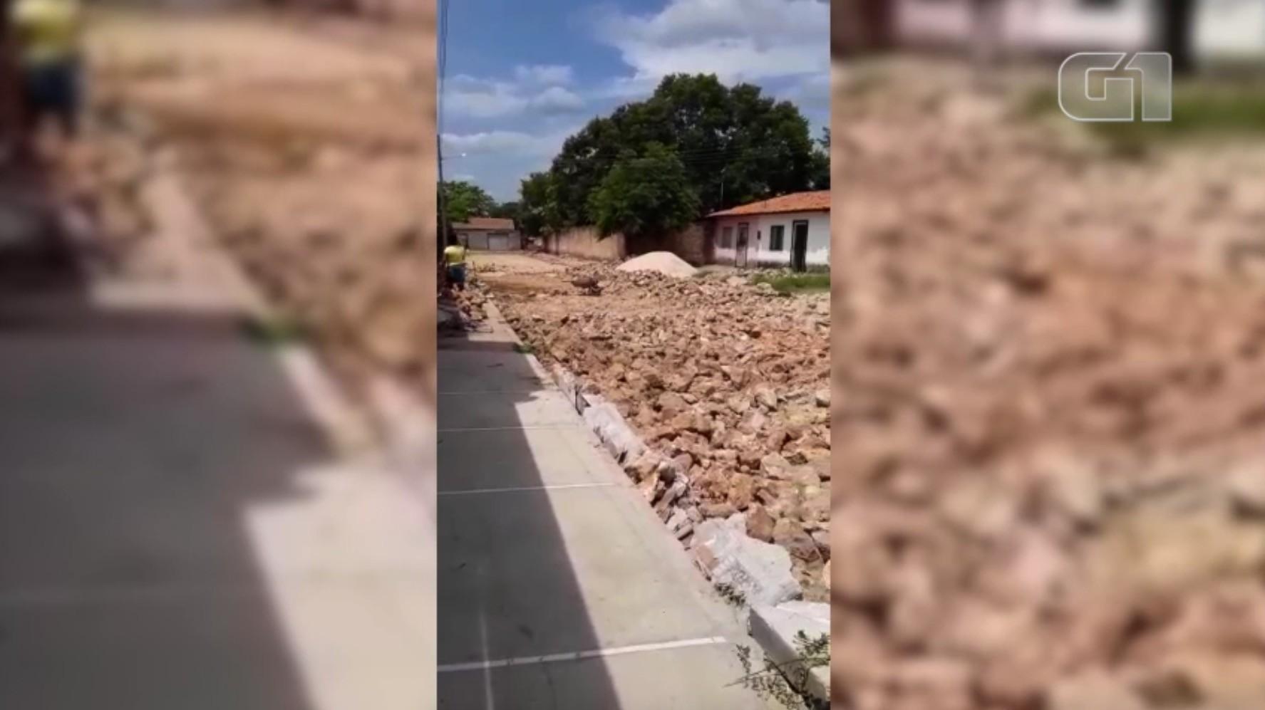 Rua em obras há 15 dias impede entrada de veículos e dificulta acesso a pessoas doentes em Teresina
