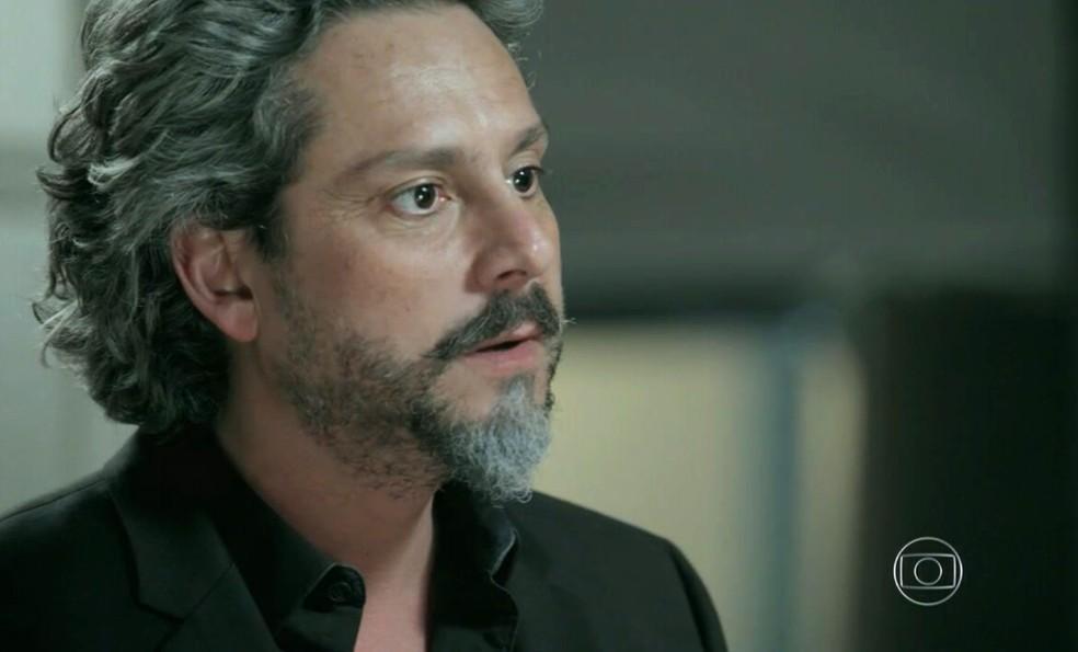 José Alfredo (Alexandre Nero) implora pelo perdão de Maria Isis (Marina Ruy Barbosa) - 'Império' — Foto: Globo