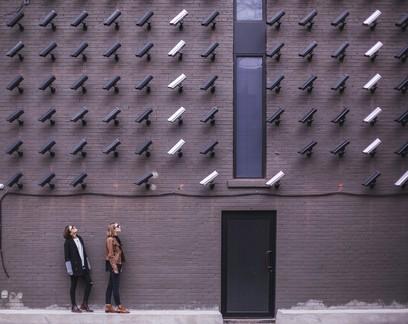 Aplicativo de reconhecimento facial com IA: Como fica o direito ao anonimato nas ruas da cidade?