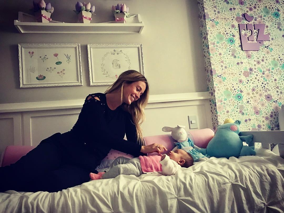 Juliana Didone mostra uma parte do quarto de Liz (Foto: Reprodução/Instagram)