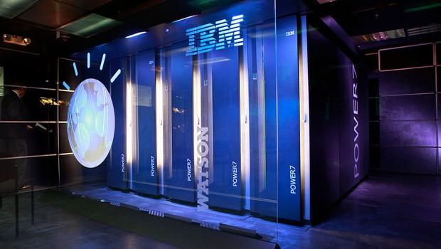 O computador Watson IBM : inteligência artificial a serviço de todas as áreas (Foto: Carolyn Cole/Los Angeles Times via Getty Images)