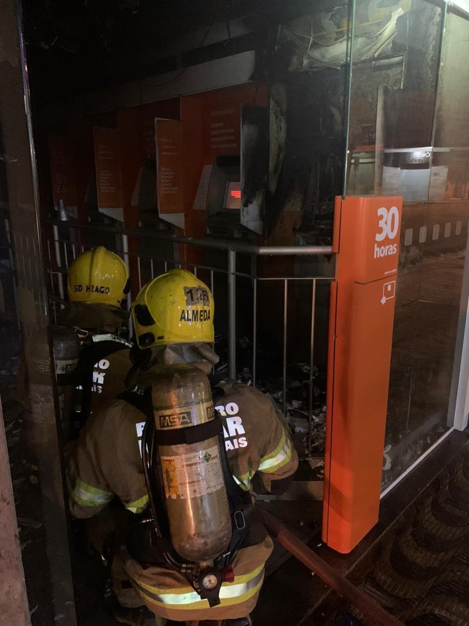 Incêndio é registrado em agência bancária em Juiz de Fora