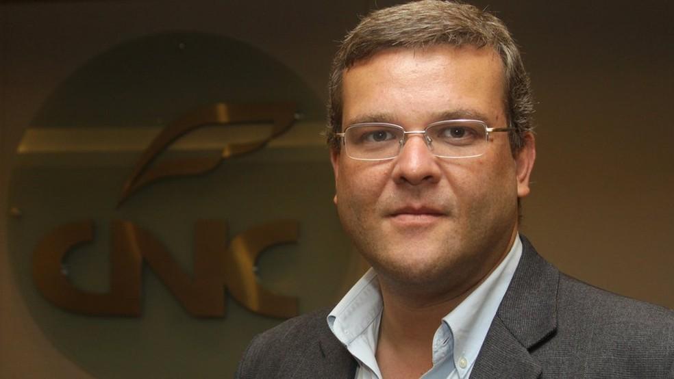 Fabio Bentes, economista-chefe da CNC, aponta que há crescimento em áreas do comércio, mas em menor ritmo e não para todos. — Foto: Christina Bocayuva/CNC