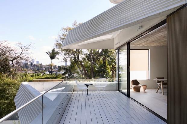 Apê foge do óbvio com grandes terraços e jardins privativos   (Foto: FOTOS EDWARD BIRCH - PRUE ROSCOE/DIVULGAÇÃO)