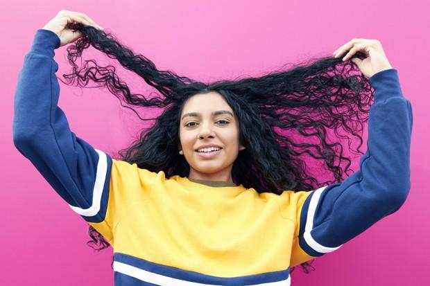 Shampoo seco: tudo que você precisa saber para usar e abusar do produto