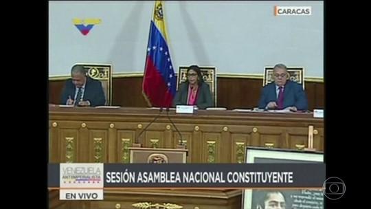Alinhada a Maduro, Constituinte assume o lugar do Congresso