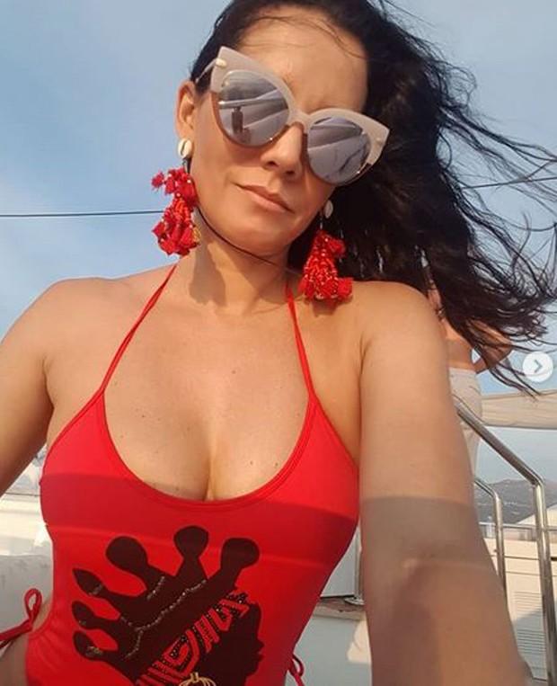 Monica Carvalho curte férias (Foto: reprodução instagram)
