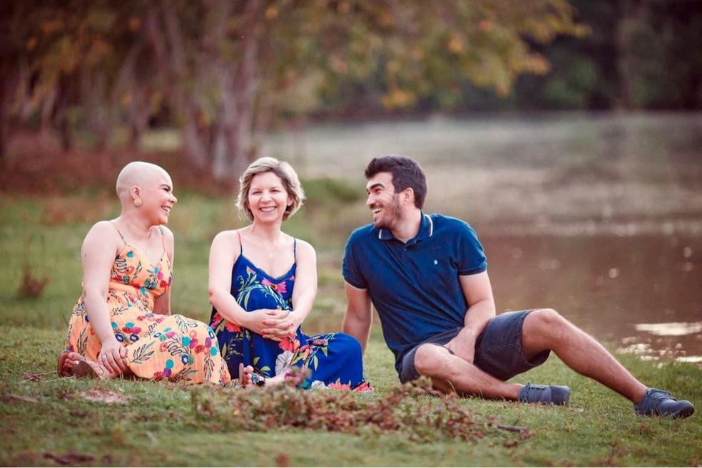 Mãe e namorado participaram do ensaio fotográfico de Ana Luisa  (Foto: Arquivo pessoal)