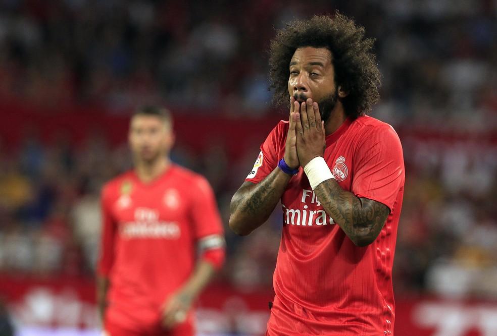 Marcelo se lesionou em confronto contra o Sevilla — Foto: AP