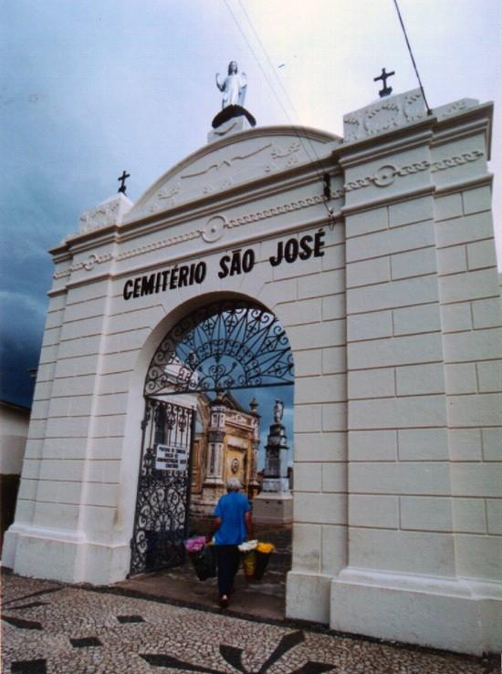 Reparos e limpezas em túmulos podem ser feitos até 28 de outubro, em Ponta Grossa