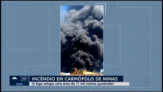 Incêndio destrói parte de fábrica de embalagens em Carmópolis de Minas