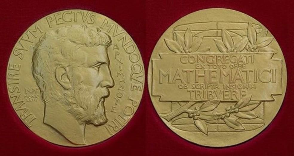 Minutos depois de ganhar medalha Fields, Birkar teve seu prêmio roubado (Foto: IMU)