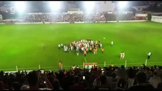 Goleiro pega pênalti, faz o dele, e São Luiz é campeão da Divisão de Acesso