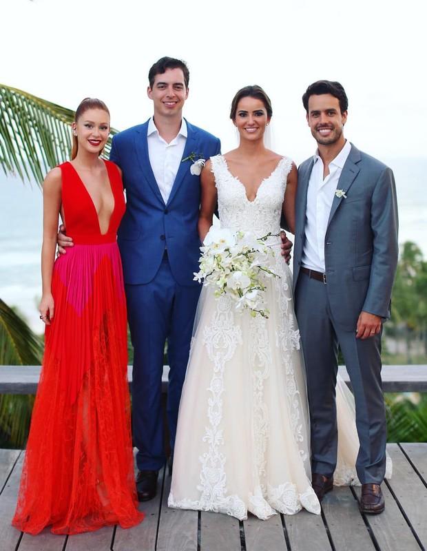 Marina Ruy Barbosa e Xande Negrão com os noivos (Foto: Reprodução/Instagram)