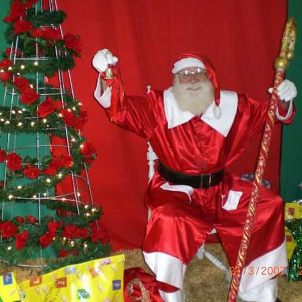 Papai Noel por 'paixão', Gustavo Schmidt teme que crianças fiquem sem o Bom Velhinho em 2020 — Foto: Gustavo Schmidt/Arquivo Pessoal