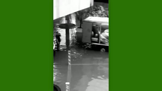 Fortes chuvas inundam pista em São Paulo e adiam 2ª etapa da Batalha de Skate Vertical