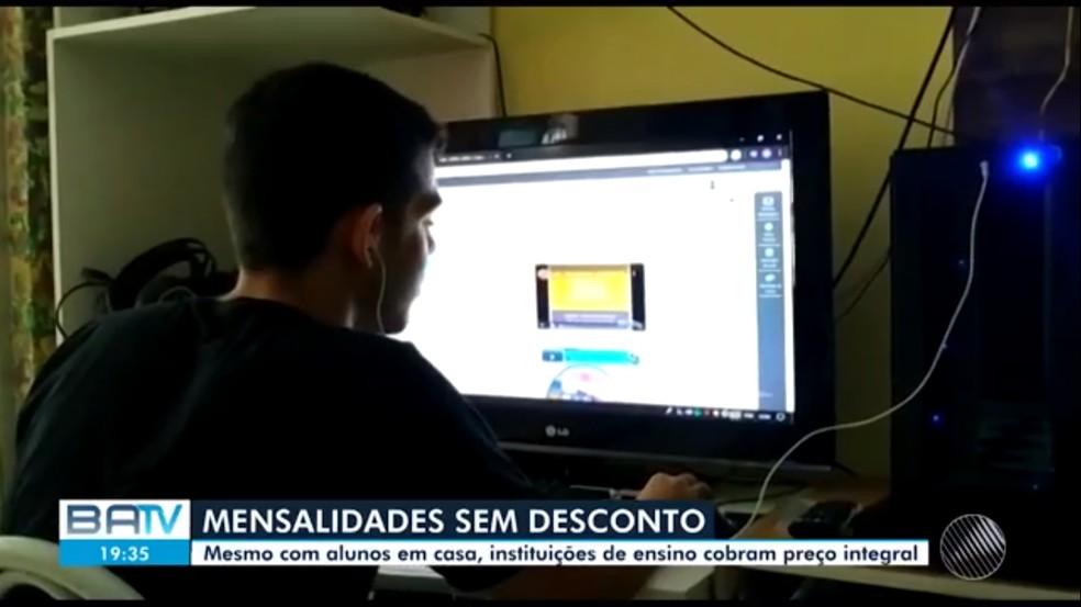 Universidades dão aulas pela internet durante pandemia — Foto: TV Bahia
