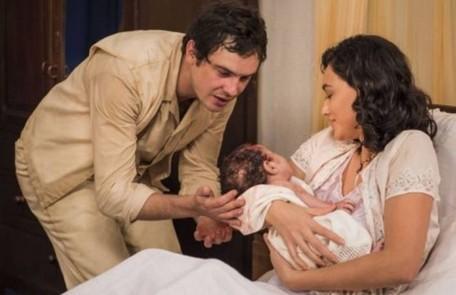 A trama teve vários partos. Candinho (Sergio Guizé) nasceu no primeiro capítulo. Depois vieram os bebês de Dita (Jeniffer Nascimento) e Quincas (Miguel Rômulo), de Maria (Bianca Bin) e Celso (Rainer Cadete) e de Candinho e Filó (Débora Nascimento) TV Globo