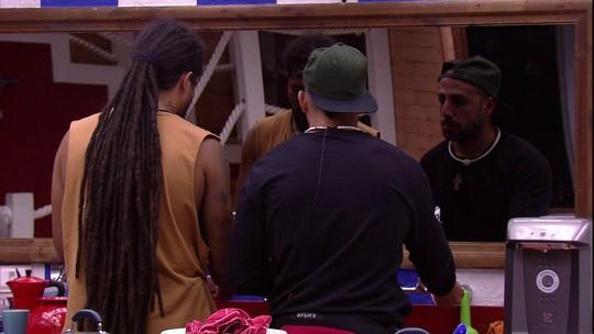 Viegas sugere que Kaysar converse com Caruso após fim do voto de silêncio: 'Ele gosta de você'