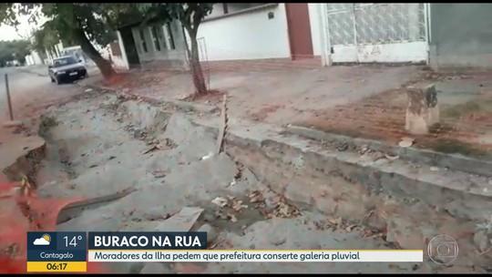 Moradores da Ilha do Governador reclamam de buraco há 15 dias