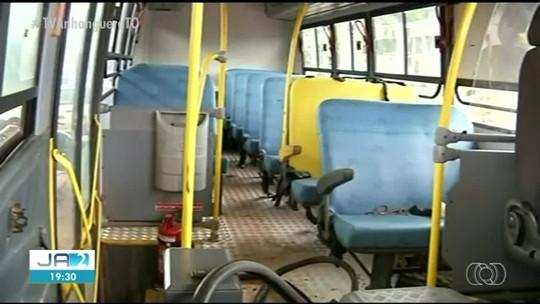Ônibus escolar usa garrafão plástico como tanque de combustível; veja o vídeo