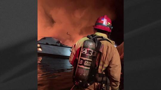 Incêndio em barco deixa 4 mortos e 30 desaparecidos nos Estados Unidos