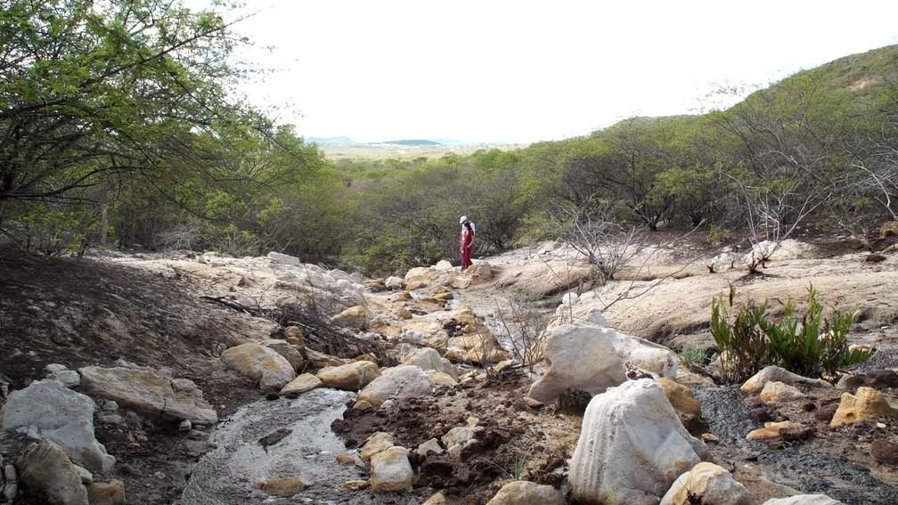 Inverno em Cerro Corá atrai visitantes com clima, trilhas e nascente do Rio Potengi — Foto: Reprodução/Inter TV Cabugi
