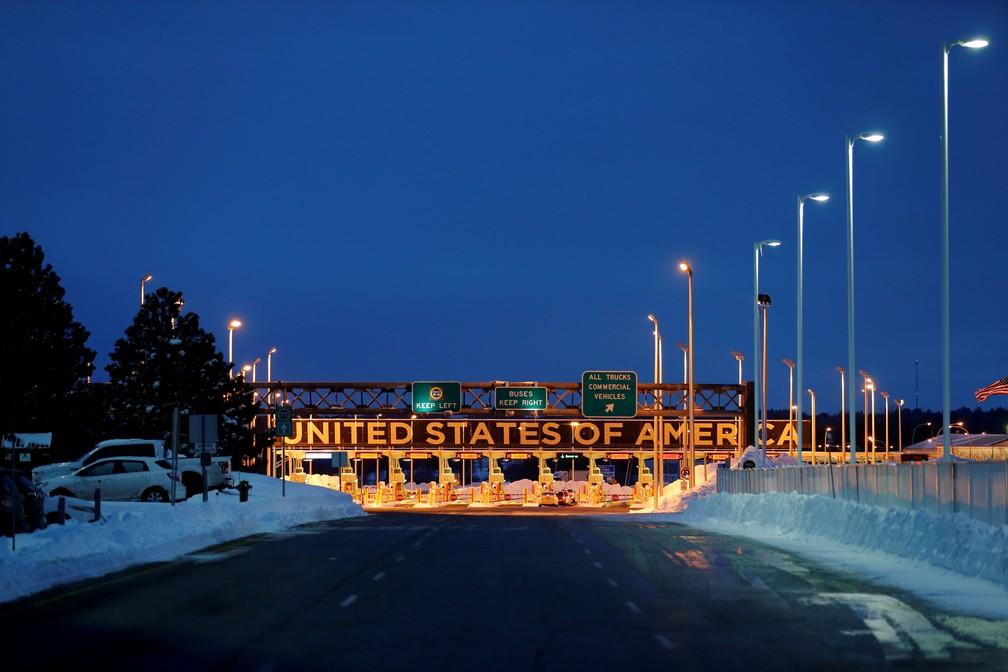 Imagem da fronteira entre o Canadá e os Estados Unidos em 13 de fevereiro de 2020 — Foto: Christinne Muschi/Reuters