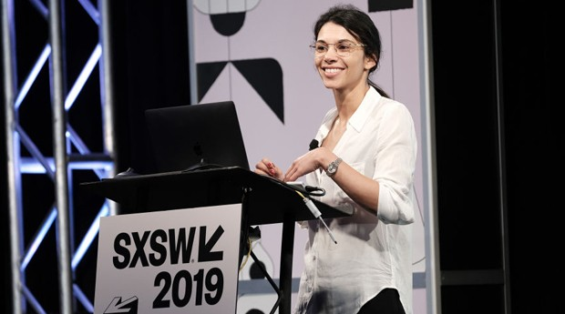 A especialista em narrativas imersivas Jessica Brillhart no SXSW (Foto: Rita Quinn/Getty Images for SXSW)