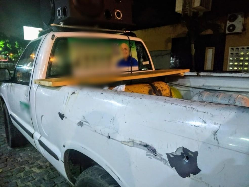 Candidato Givaldo Melo estava dentro de seu carro quando foi abordado pelos criminosos em Natal — Foto: Acson Freitas/Inter TV Cabugi