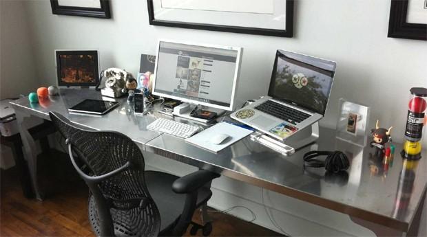 7 coisas que todo mundo precisa saber sobre home office. Black Bedroom Furniture Sets. Home Design Ideas