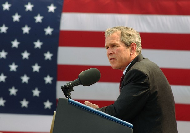 George W Bush era presidente dos EUA (Foto: Getty Images)