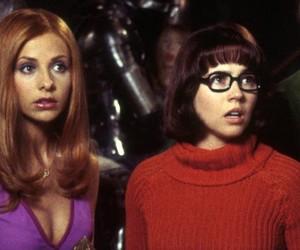 Cenas deletadas de 'Scooby-Doo' revelam affair entre Daphne e Velma