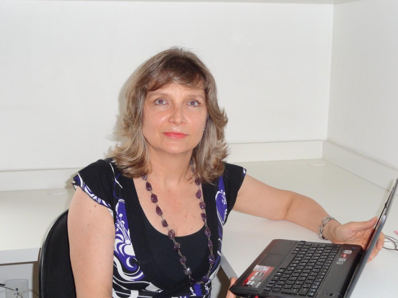 'País que não investe em ciência está fadado ao retrocesso', diz professora da UFRGS em lista de 100 cientistas analíticos mais influentes do mundo