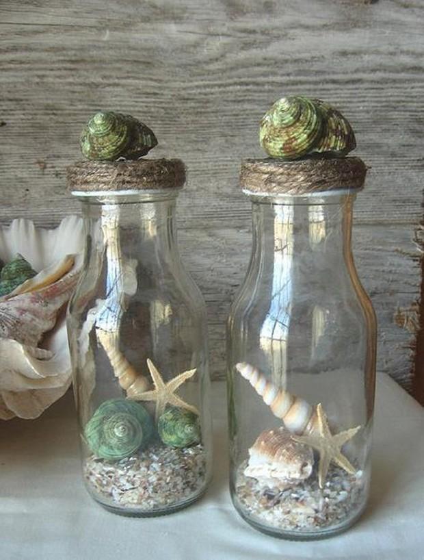 Praia em casa: garrafa com conchas e areia (Foto: Pinterest/Reprodução)