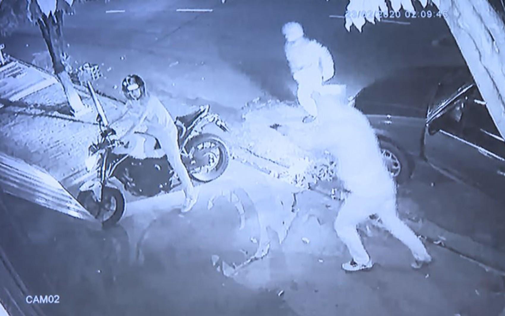 Deficiente auditivo é rendido por dupla armada e tem moto roubada em Bonfim Paulista