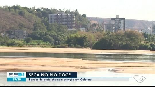 Assoreamento faz nível do Rio Doce baixar, em Colatina, ES
