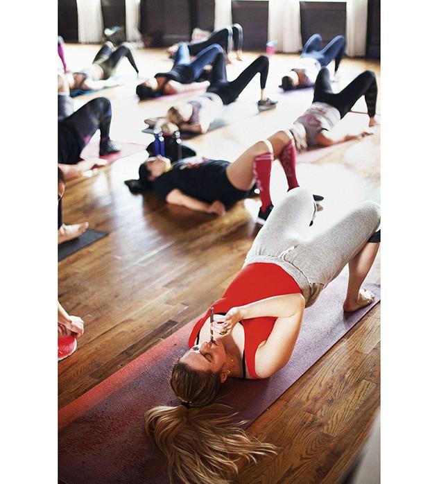 mg 1752 b Ginástica da maconha: aula inspirada em Jane Fonda mescla exercícios e erva