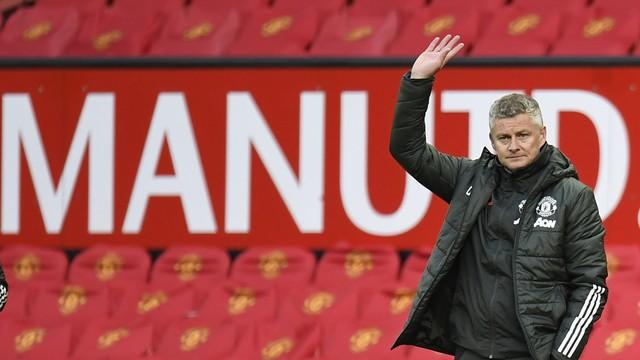 Derrota do Manchester United para o Leicester dá o título do Inglês para o City