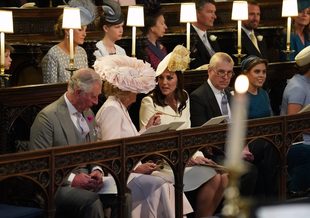 Kate Middleton e Camilla, duquesa de Cornwall, na cerimônia de casamento (Foto: Getty Images)