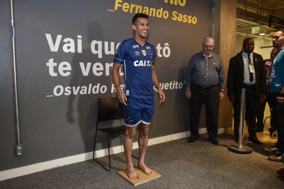 Os 400 de Henrique  capitão do Cruzeiro elege gol e momentos mais ... be9aaa3a421ff