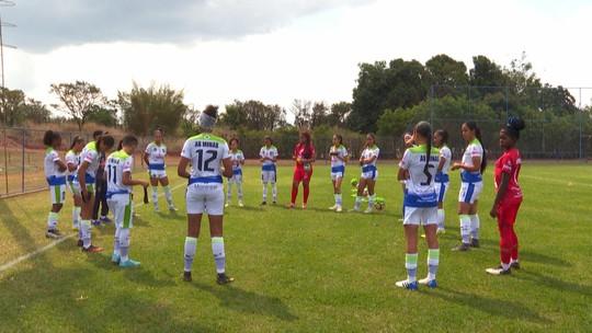 Atletas do futebol feminino lutam contra o preconceito e a falta de oportunidades no esporte
