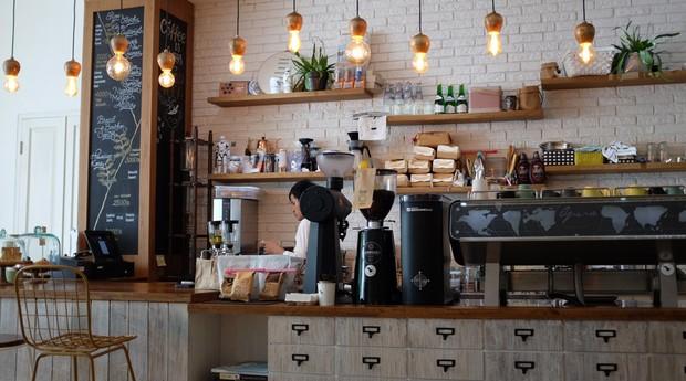 café-franquia-balcão-alimentação (Foto: Pexels)