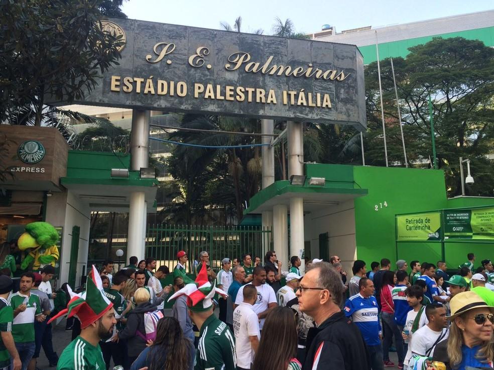 Preço elevado do ingresso não afasta palmeirenses da sua Arena (Foto: Felipe Zito)
