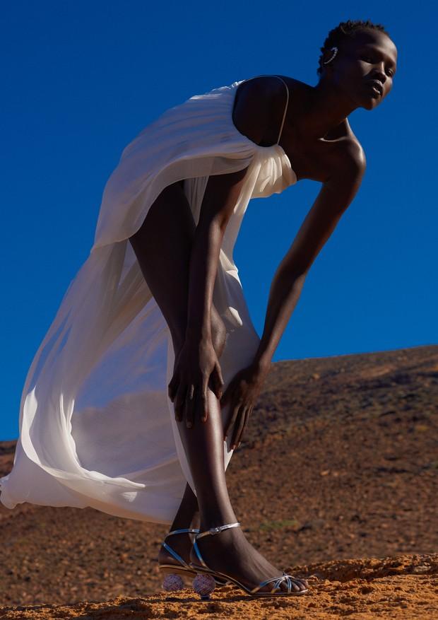 Shanelle Nyasiase para a Vogue Brasil de dezembro (Foto: Zee Nunes)
