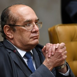 O ministro Gilmar Mendes durante julgamento sobre habeas corpus de Lula