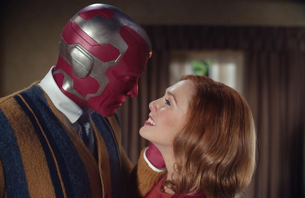 Paul Bettany e Elizabeth Olsen em cena de 'WandaVision' — Foto: Divulgação
